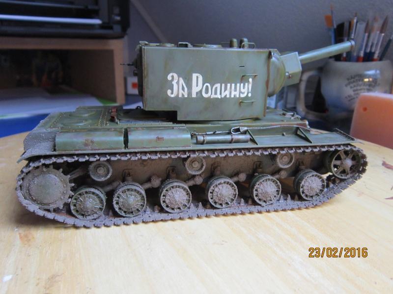 Russian Heavy Tank KV-2  [1/35° de ZVEZDA] Img_4123