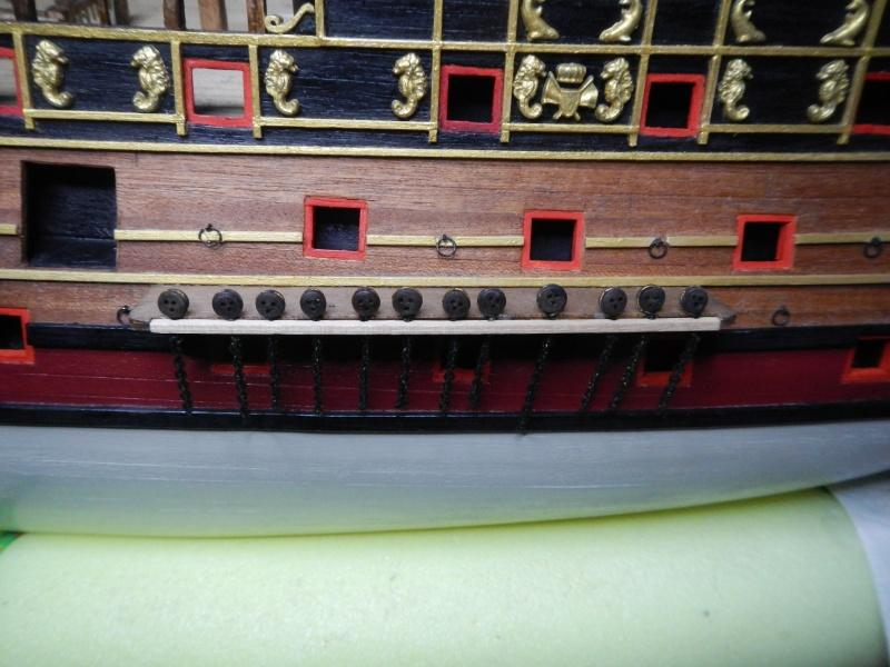"""Construction du """"Sovereign of the Seas"""" au 1/84 par Glénans - Partie II - Page 2 Dscn3943"""