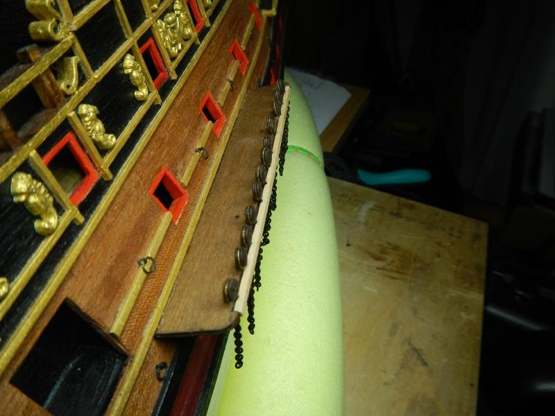 """Construction du """"Sovereign of the Seas"""" au 1/84 par Glénans - Partie II - Page 2 Dscn3944"""
