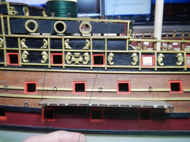 """Construction du """"Sovereign of the Seas"""" au 1/84 par Glénans - Partie II - Page 2 Dscn3947"""