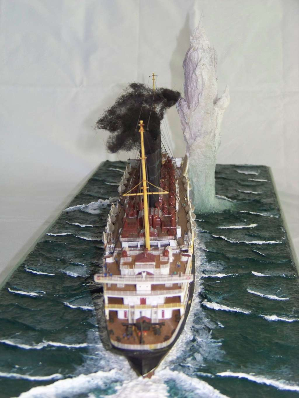 Diorama du torpillage du RMS Lusitania 1/350 Gunze Sangyo - Page 4 100_9331