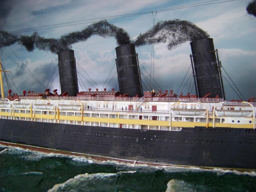 Diorama du torpillage du RMS Lusitania 1/350 Gunze Sangyo - Page 4 100_9334