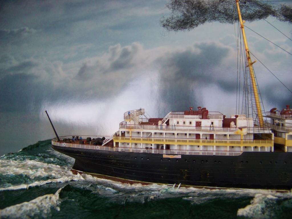 Diorama du torpillage du RMS Lusitania 1/350 Gunze Sangyo - Page 4 100_9335