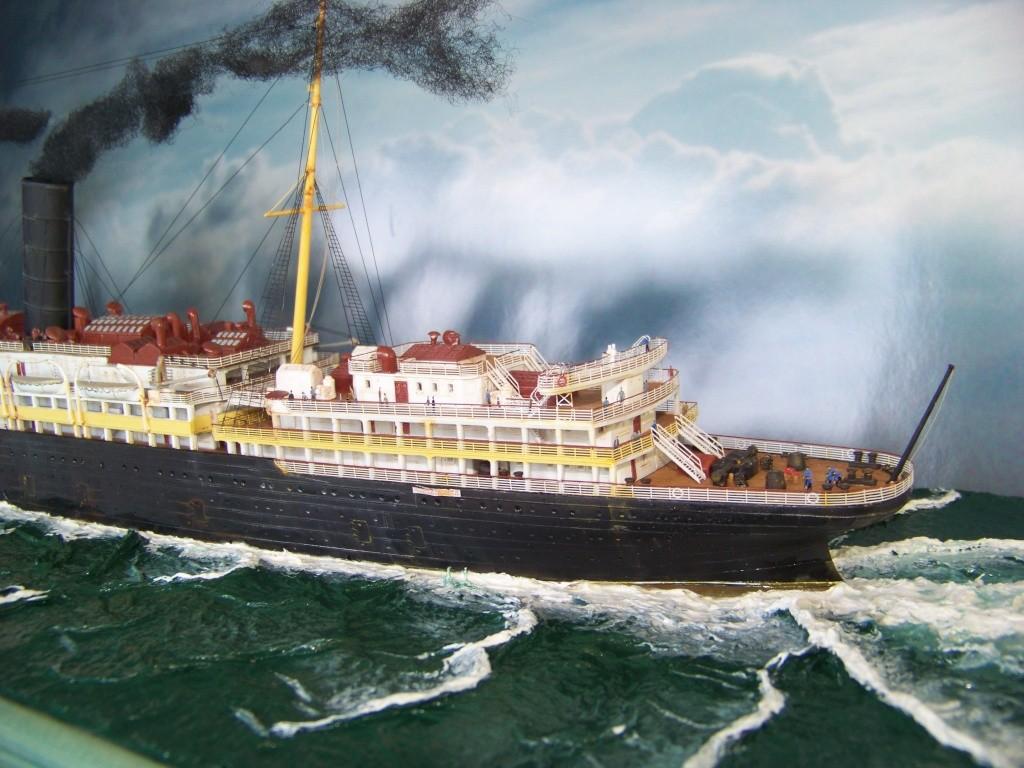 Diorama du torpillage du RMS Lusitania 1/350 Gunze Sangyo - Page 4 100_9338