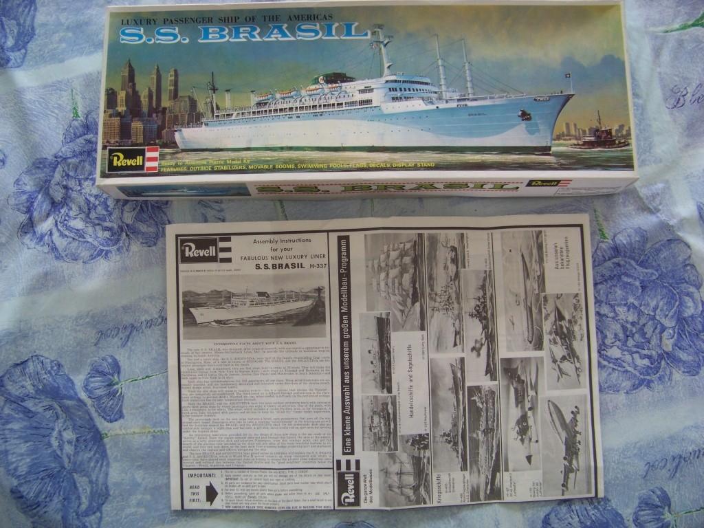 Paquebot mixte SS Brasil au 1/400 Revell  100_9357