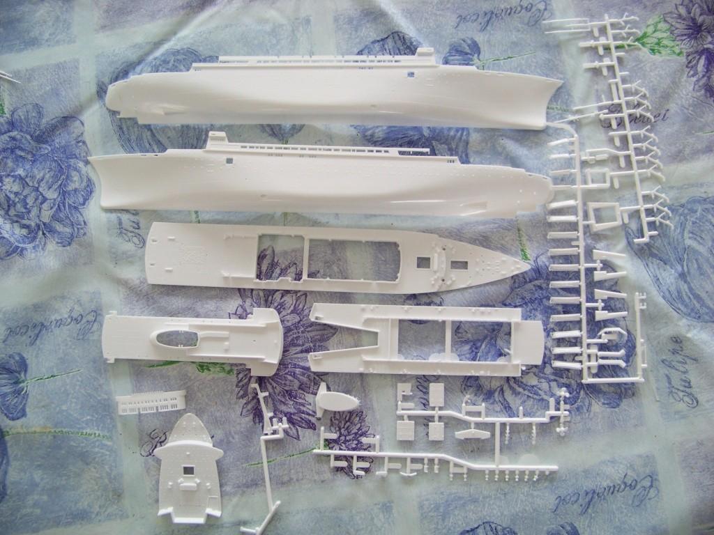 Paquebot mixte SS Brasil au 1/400 Revell  100_9359