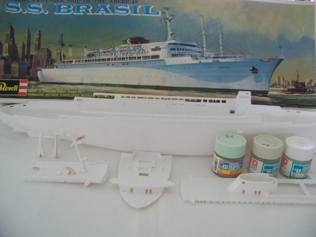Paquebot mixte SS Brasil au 1/400 Revell  100_9365