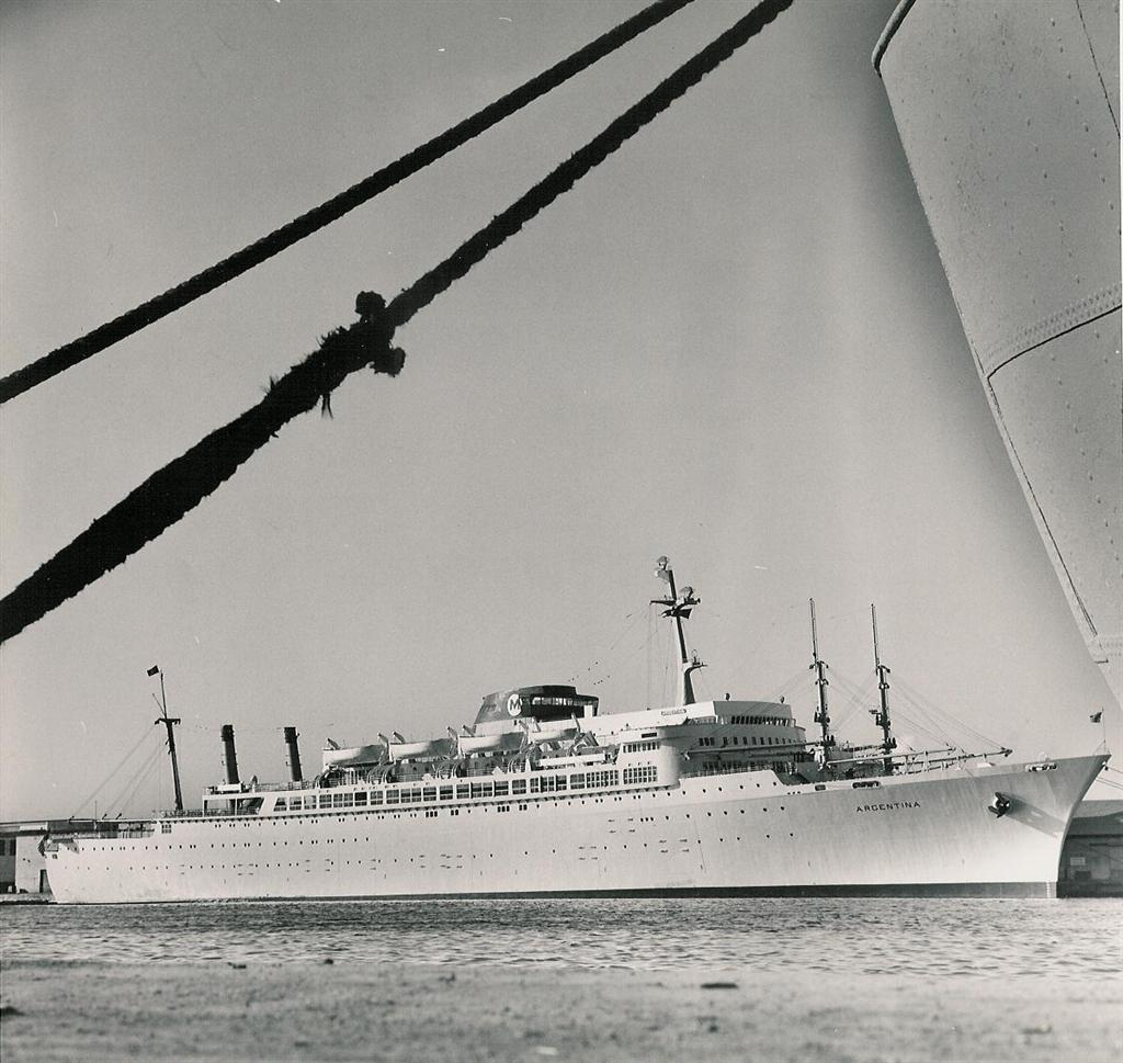 Paquebot mixte SS Brasil au 1/400 Revell  Argent10