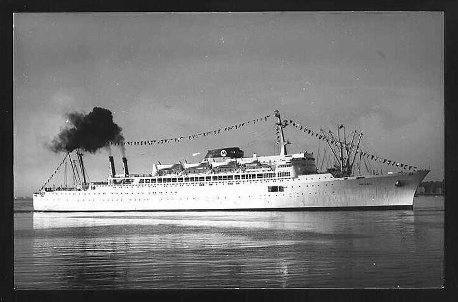 Paquebot mixte SS Brasil au 1/400 Revell  - Page 2 Brasil17