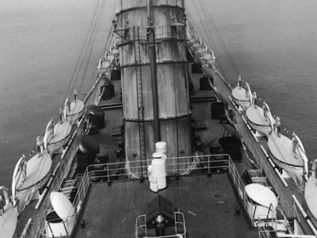 Dio : Torpillage du RMS Lusitania (Gunze Sangyo 1/350°) par PLEF First-10