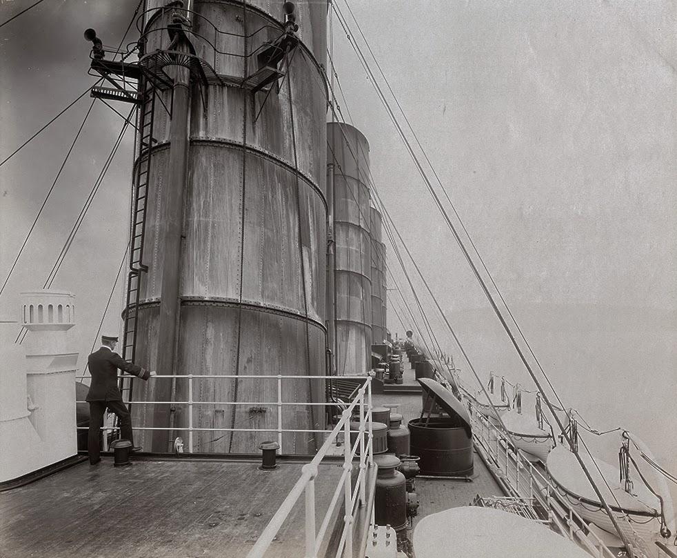 Dio : Torpillage du RMS Lusitania (Gunze Sangyo 1/350°) par PLEF Lusita14