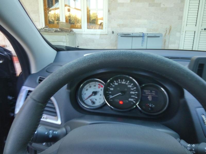 aiuto per volante Img_2011