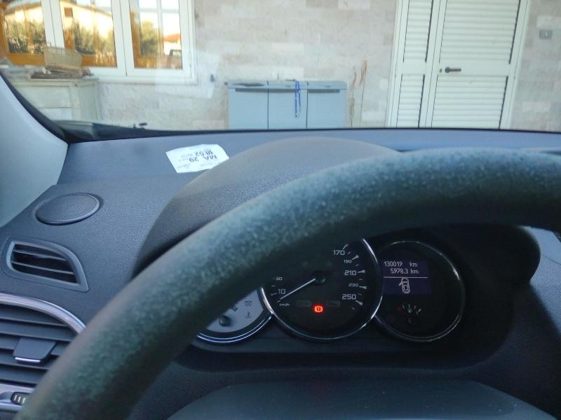 aiuto per volante Img_2012