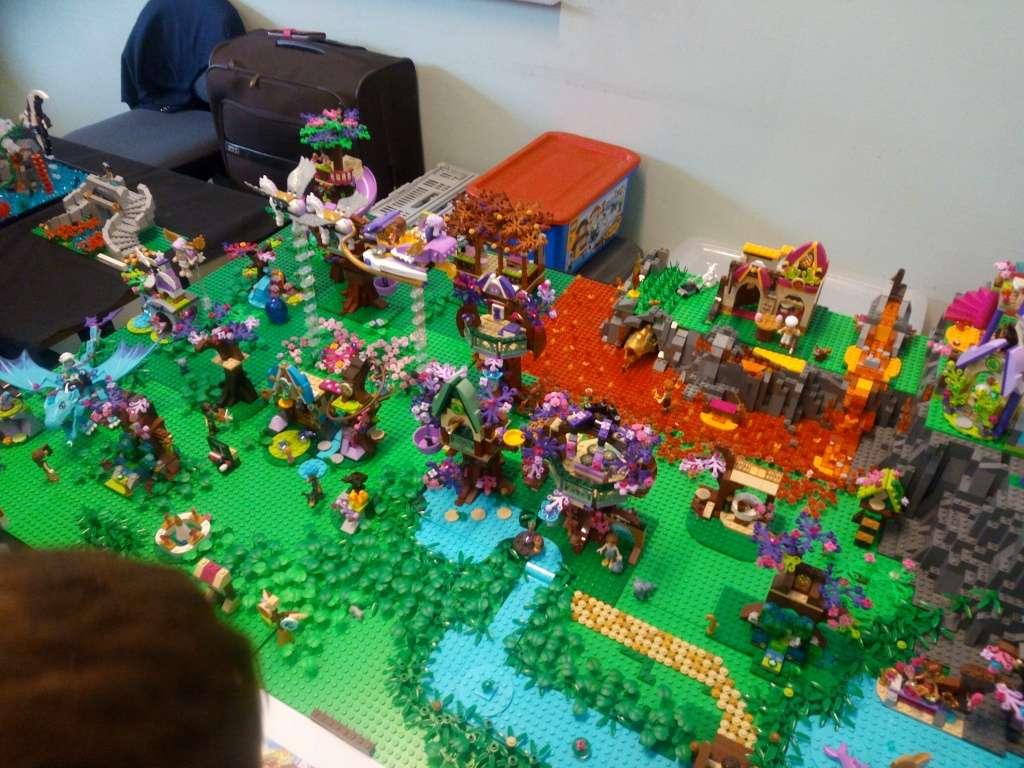 Diorama Elves exposition de LEGO Villeurbanne 2/04/16 Img_2019