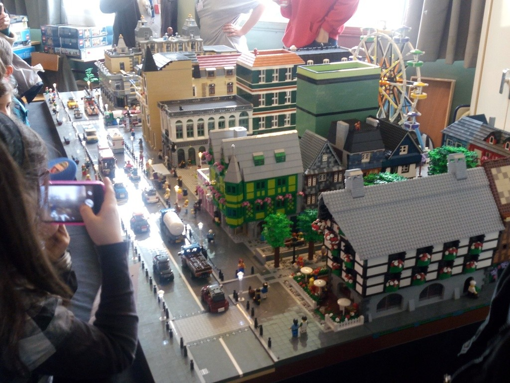 Diorama Elves exposition de LEGO Villeurbanne 2/04/16 Img_2023