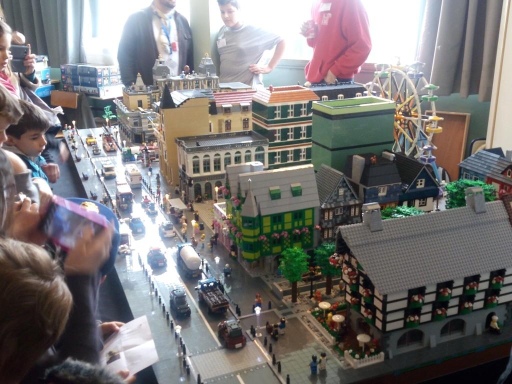 Diorama Elves exposition de LEGO Villeurbanne 2/04/16 Img_2025