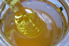 Мед против гипертонии, головной боли и бессонницы Yzaa124