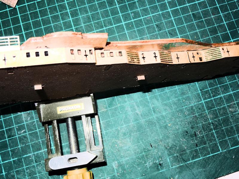 """""""Prinz Eugen"""" 1:200 von Hachette gebaut von Kurti - Seite 7 Pe711"""