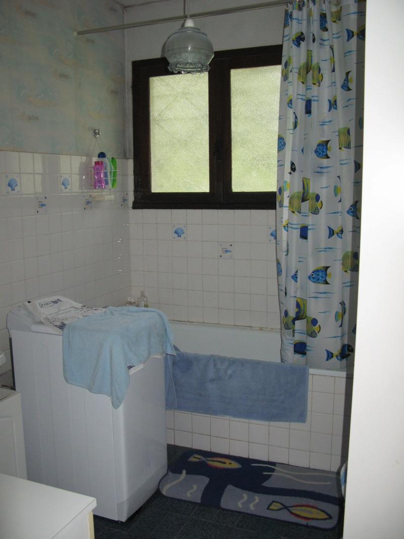 salle de bains kitch à peindre Img_2614