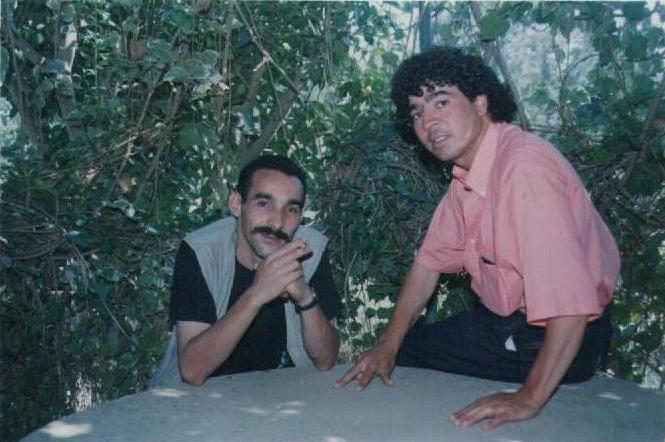 Ali Belhout  chanteur-militant de la cause Kabyle 10942710