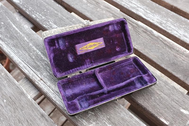 Gillette pocket edition  Dscf0910