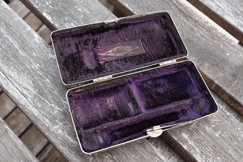 Gillette pocket edition  Dscf0914