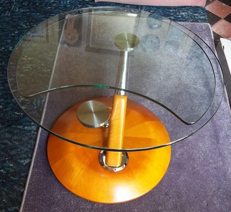 Oddball glass coffee table, any ideas? 100_2937