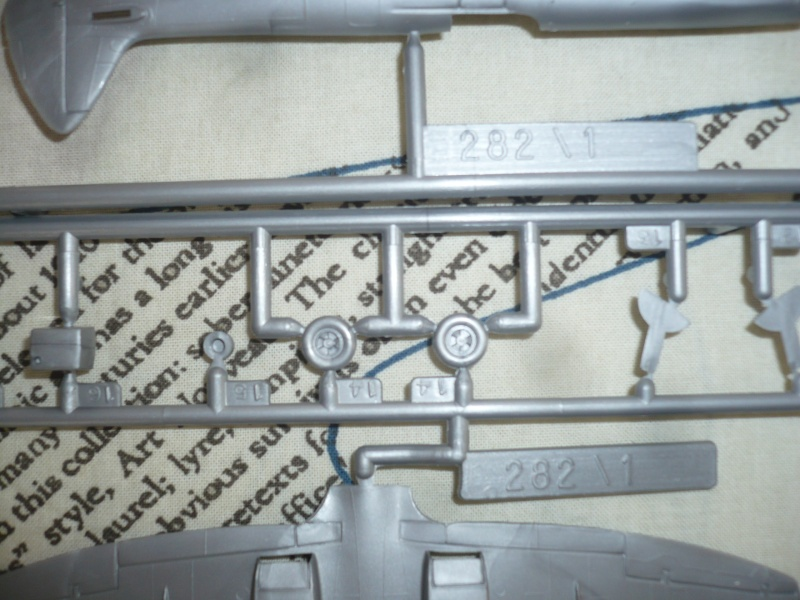 Spitfire XVI Heller 1/72 Finis ! P1080724