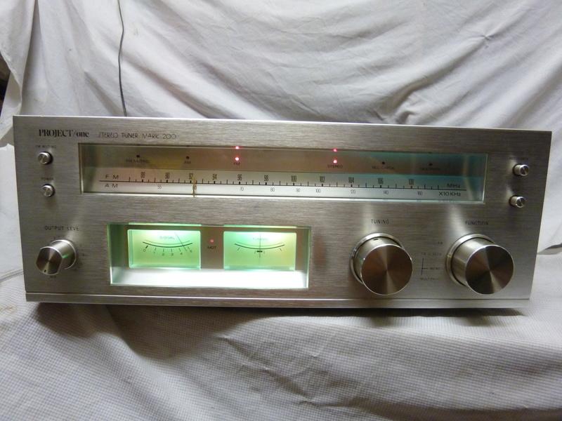 Vintage Project One Mark 200 Solid State Stereo Tuner-SOLD P1020812