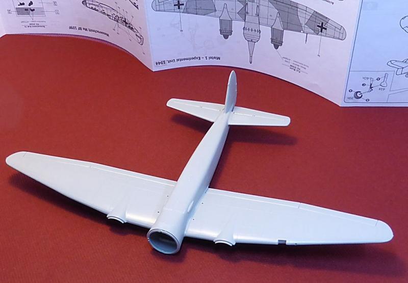 Diorama Mistel 1 - les préparatifs d'un grand BOUM Mistel45