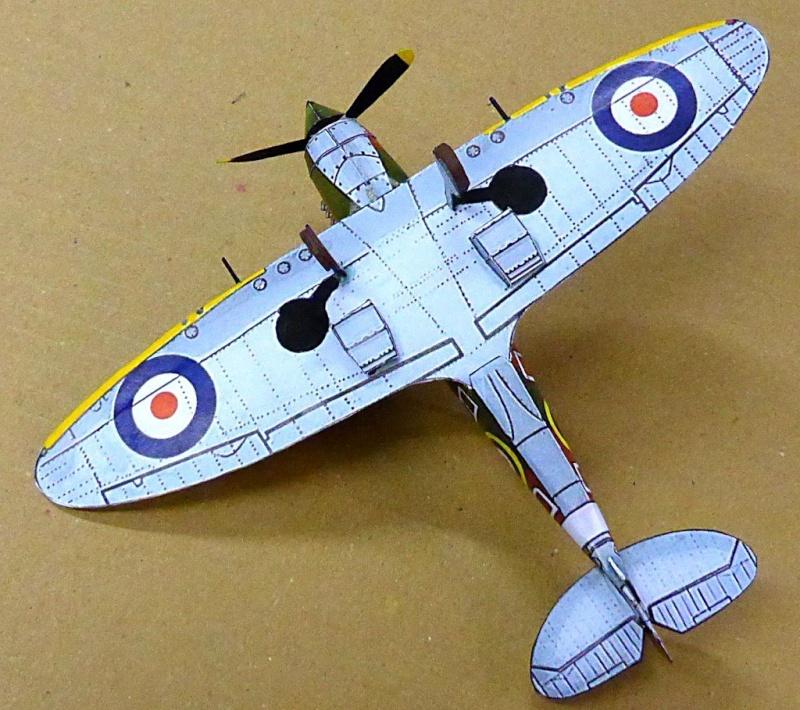 [PaperCraft] mes avions en carton échelle 1/60 Paperc35