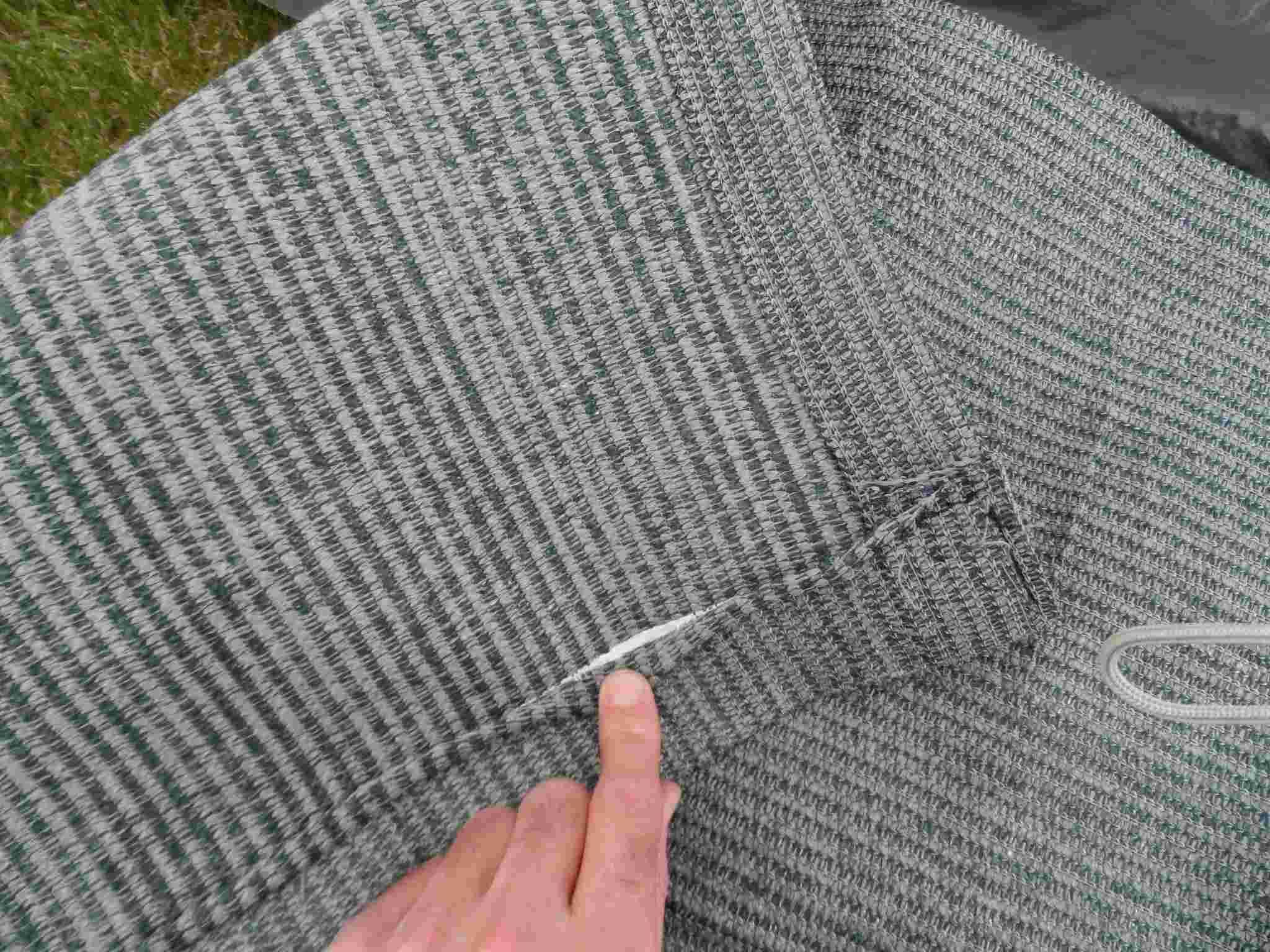 tapis - séjour avec portes quechua + tapis Sam_2311