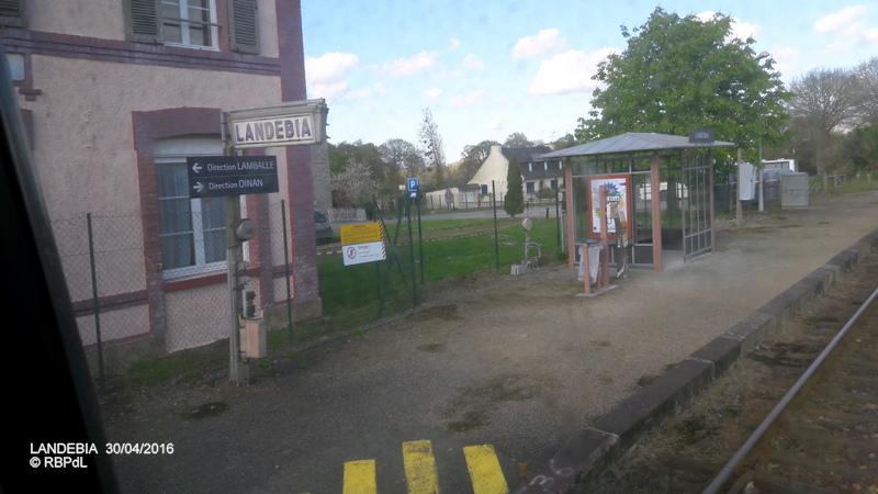 """""""tro breiz ferroviaire """" Rennes/St Brieuc/Dol/Rennes (3- De  Lamballe à Dinan) 20160290"""