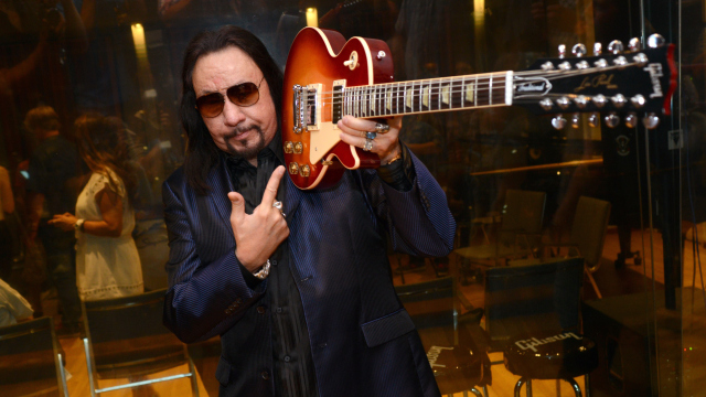 Ace Frehley News ! - Page 22 Gettyi10