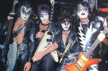 1982 Kiss1910