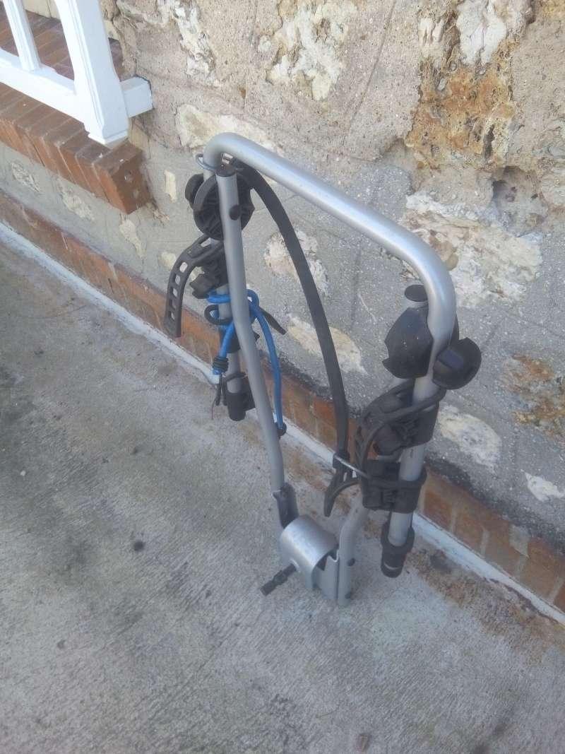 Porte vélo d'attelage Img_2012
