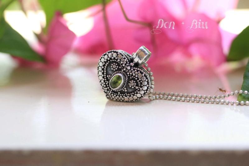 Peridot Heart Locket Necklace Hl10