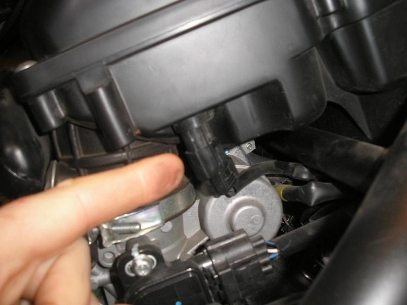 Tuto changement filtre à air et bougies 1200XTZ P4160021