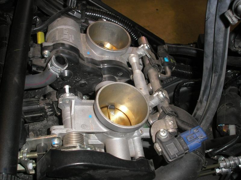 Tuto changement filtre à air et bougies 1200XTZ P4160031
