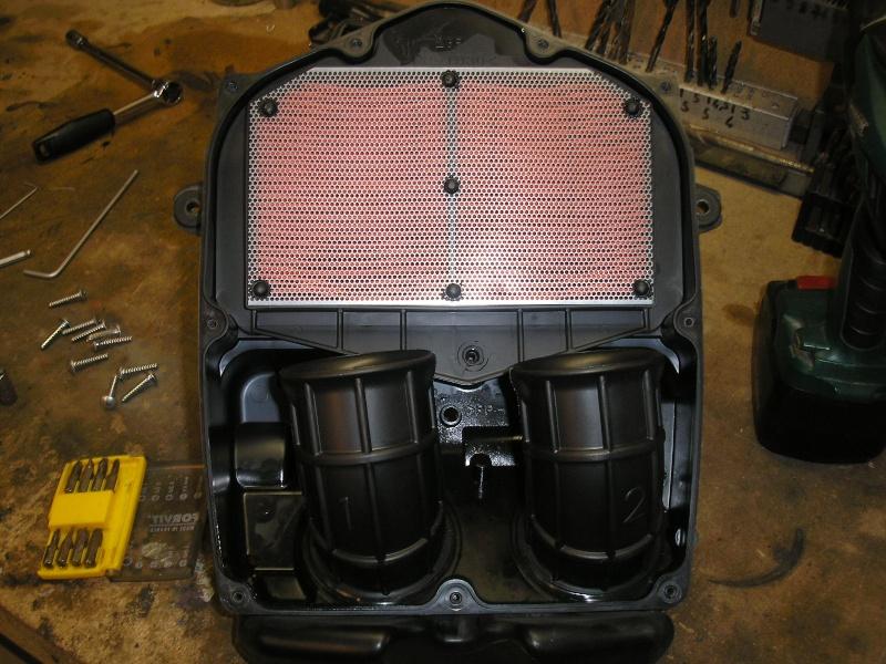 Tuto changement filtre à air et bougies 1200XTZ P4160033