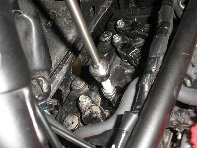 Tuto changement filtre à air et bougies 1200XTZ P4160046