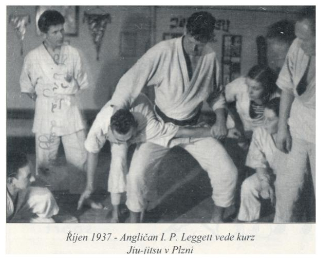 The early days of Judo in Czechoslovak Republic (and the contribution of the London Budokwai) T_p_le12