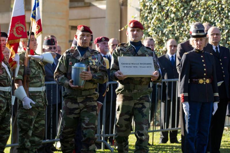 général BIGEARD , FREJUS 2012 Bigear14
