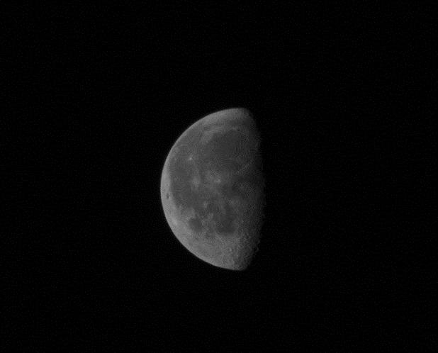 Mesečina - Page 4 Half-m10