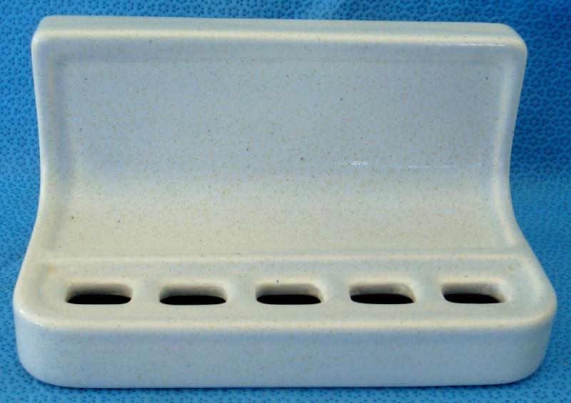 1231 Squared Toothbrush Rack Dsc00610