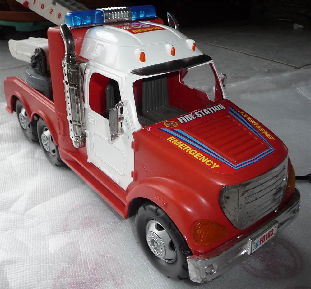 Camion de pompier 6x6 Camion13