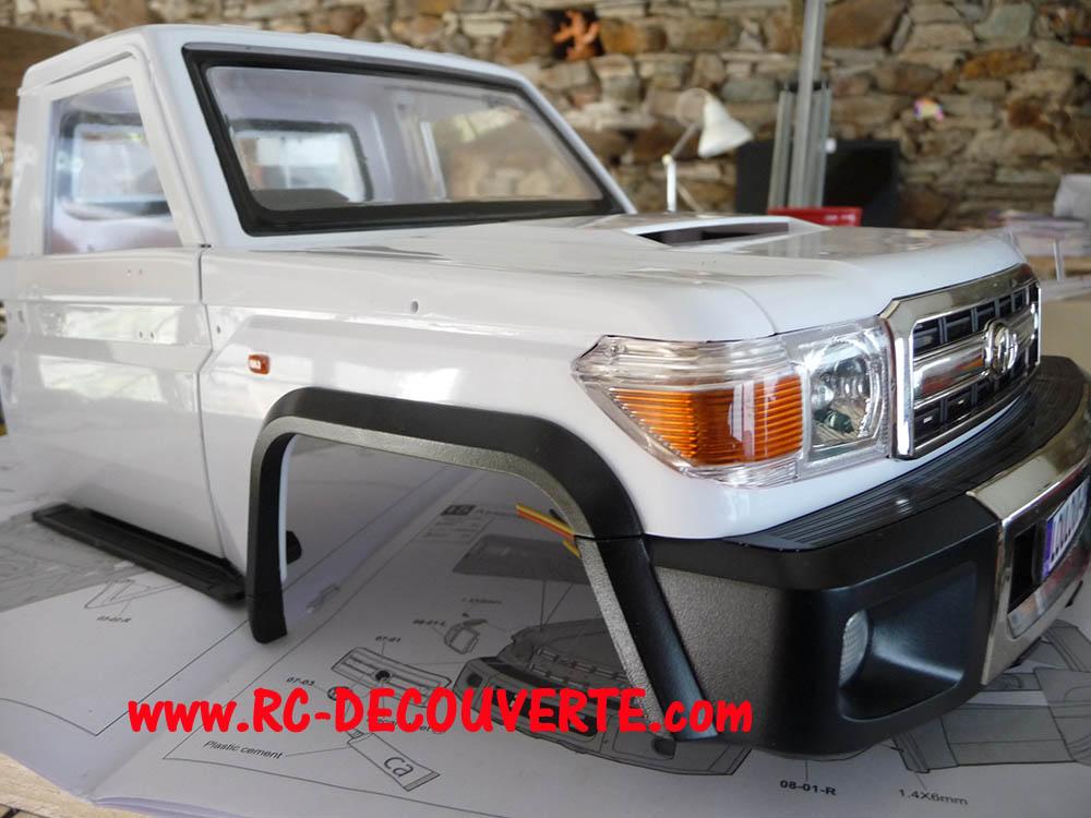 Montage carrosserie Toyota Land Cruiser LC70 Killerbody du Kit BRX01 Carros17