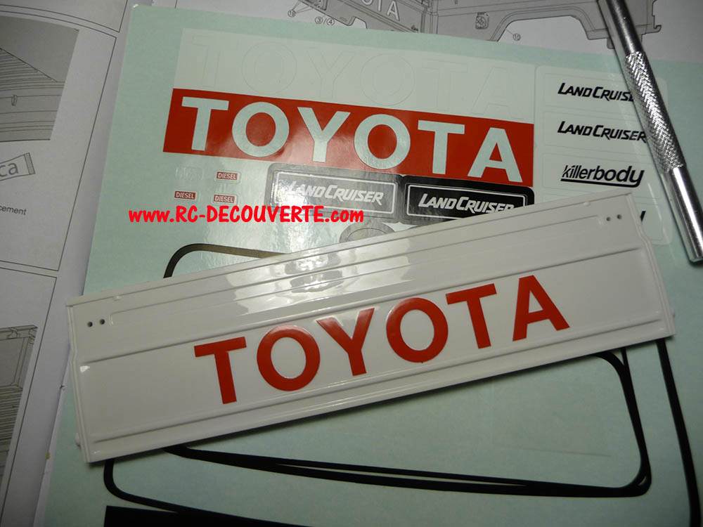 Montage carrosserie Toyota Land Cruiser LC70 Killerbody du Kit BRX01 - Page 2 Carros24