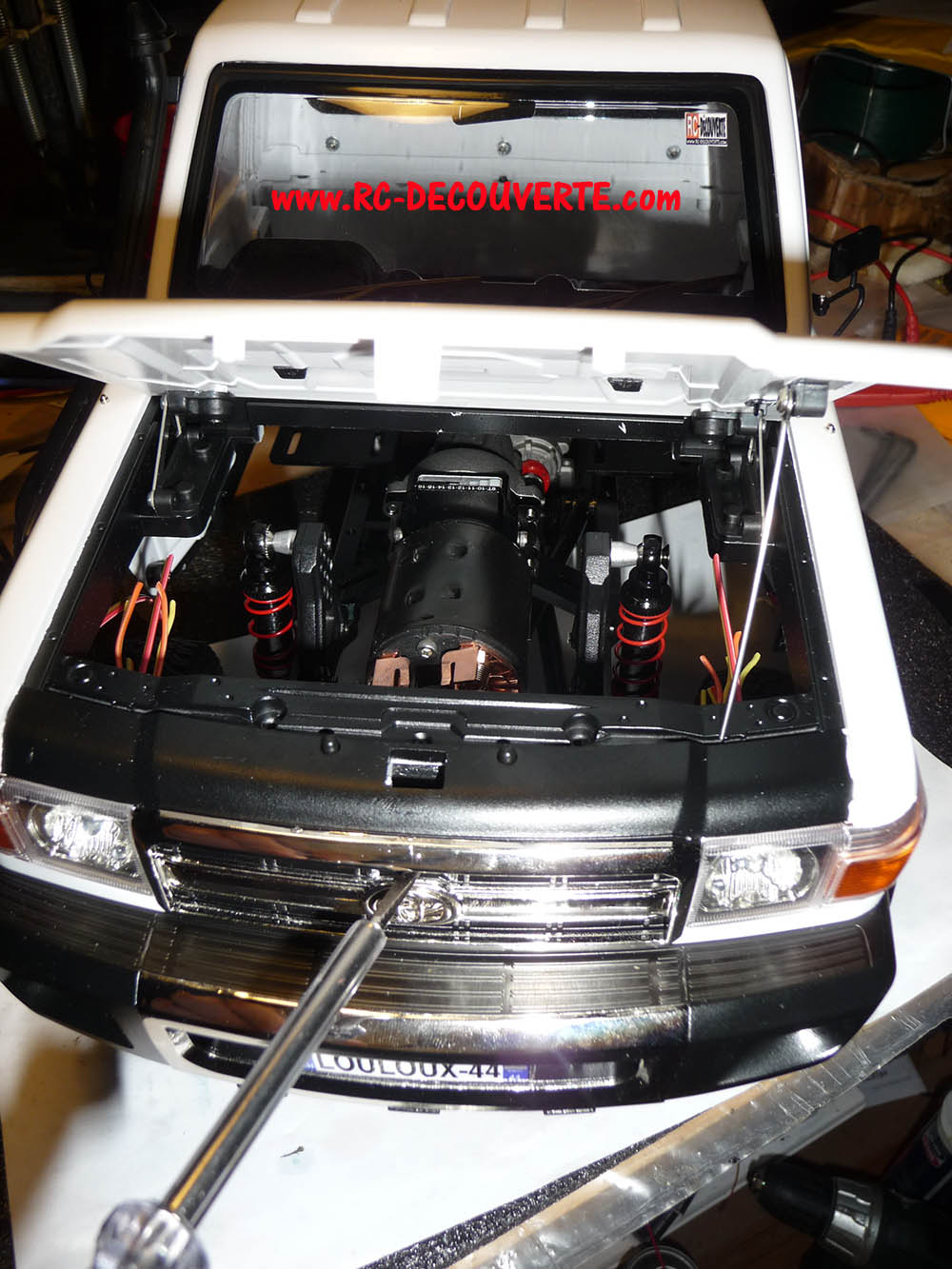 Montage carrosserie Toyota Land Cruiser LC70 Killerbody du Kit BRX01 - Page 3 Carros37