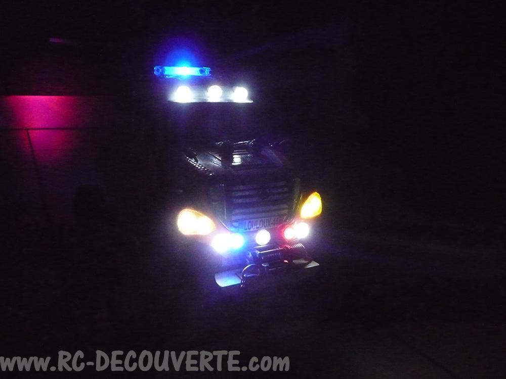 Mon camion de pompier SCFX RC Scale 1/10 Gyro-111